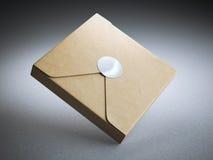Caja de cartón con la etiqueta engomada en blanco Imagenes de archivo