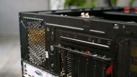 Caja de computadora personal de la PC que desmonta unmounting el primer trasero del carril de la parte posterior metrajes