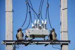 Caja de conexiones eléctrica con los aisladores Imagen de archivo libre de regalías