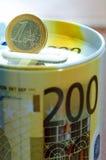 Caja de dinero con la moneda euro Beneficio, caja fuerte, haciendo el dinero Para el busine Imagenes de archivo