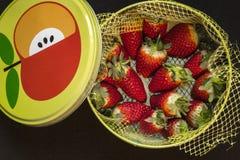 Caja de fresas Foto de archivo libre de regalías
