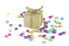 Caja de la caja o de la Navidad de regalo del Año Nuevo y colorido de papel del papel f Fotografía de archivo