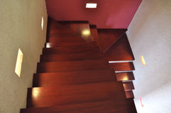 Caja de la escalera del diseño interior Imagenes de archivo