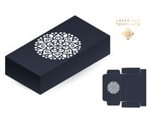 Caja de la plantilla de corte del laser de la invitación de boda del vector Elementos decorativos de la vendimia Fondo dibujado m ilustración del vector