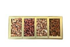 Caja de los frutos secos y de regalo de las nueces Imagen de archivo libre de regalías