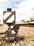 Caja de luz vieja para señalar el tren Fotografía de archivo libre de regalías