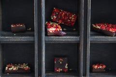 Caja de madera del chocolate Foto de archivo