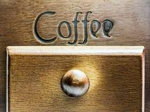Caja de madera retra de grano de café Imagen de archivo