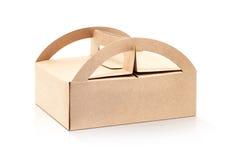 Caja de papel de empaquetado de Kraft aislada en el fondo blanco Fotos de archivo libres de regalías