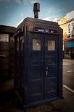 Caja de policía pública azul de la llamada en Londres Fotografía de archivo libre de regalías