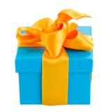 Caja de regalo azul con el arco Fotografía de archivo libre de regalías