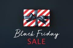 Caja de regalo de Black Friday foto de archivo libre de regalías