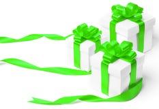 Caja de regalo blanca con el arco verde de la cinta Fotos de archivo