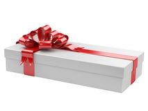 Caja de regalo blanca con la etiqueta en blanco del regalo Fotos de archivo