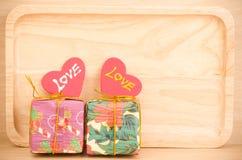 Caja de regalo con amor Imagen de archivo
