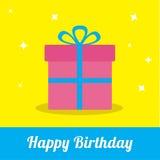 Caja de regalo con la cinta y arco con las chispas. Tarjeta del feliz cumpleaños. Fotos de archivo