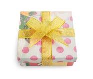 Caja de regalo con las impresiones florales y del lunar festivas Foto de archivo libre de regalías