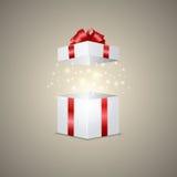 Caja de regalo con un efecto mágico Foto de archivo libre de regalías