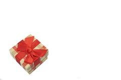 Caja de regalo a cuadros con el modelo del tartán aislado en Backgr blanco Imagen de archivo