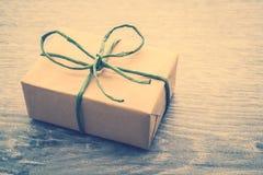 Caja de regalo de Brown fotos de archivo