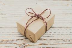 Caja de regalo de Brown fotografía de archivo