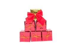 Caja de regalo de la decoración de la Navidad con el ribbin Imágenes de archivo libres de regalías