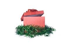 Caja de regalo de la Navidad aislada en el fondo blanco por Año Nuevo Imagen de archivo libre de regalías