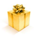 Caja de regalo de oro aislada en el fondo blanco Foto de archivo