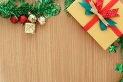 Caja de regalo del día de la Navidad Fotos de archivo libres de regalías