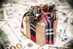 Caja de regalo del ` s del Año Nuevo Imágenes de archivo libres de regalías