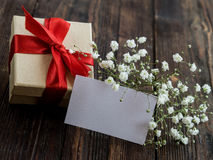 Caja de regalo envuelta del vintage Copie el espacio Foto de archivo libre de regalías