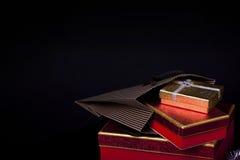 Caja de regalo y Champán Imagen de archivo libre de regalías