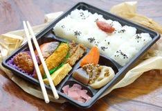 Caja del almuerzo confeccionada japonesa, Bento Fotografía de archivo