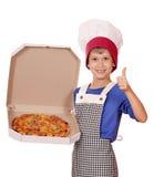 Caja del asimiento del cocinero del muchacho con la pizza Fotografía de archivo