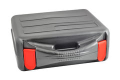 Caja negra plástica con las etiquetas rojas Imagenes de archivo