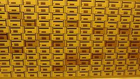 Caja o buzón de los posts del armario foto de archivo