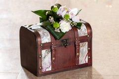 Caja de la invitación de boda Imagen de archivo