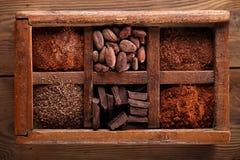 Caja picante vieja por completo de chocolate Imagenes de archivo
