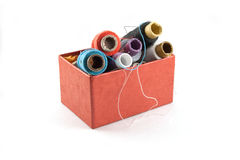 Caja roja para el hilo Fotografía de archivo libre de regalías