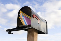 Caja y correo Imagenes de archivo
