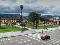 Cajamarca Peru - mars 12, 2014: Sikt av den huvudsakliga fyrkanten Royaltyfria Bilder