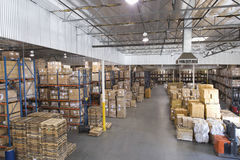 Cajas apiladas en Warehouse fotografía de archivo