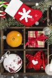 Cajas con los regalos para la Navidad y las diversas cualidades del día de fiesta Fotografía de archivo libre de regalías