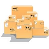Cajas de cartón en un piso Aislado en el fondo blanco Imagen común Imagenes de archivo