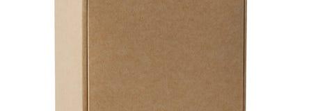 Cajas de cartón para las mercancías en un fondo blanco Diversa talla Aislado en el fondo blanco foto de archivo