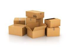 Cajas de cartón cerradas y abiertas Foto de archivo libre de regalías