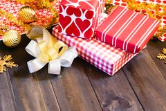Cajas de la Feliz Navidad y de regalo de la Feliz Año Nuevo DIY Imágenes de archivo libres de regalías