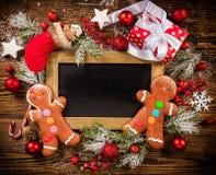 Cajas de regalo de la Navidad con la pizarra vacía Imagen de archivo libre de regalías