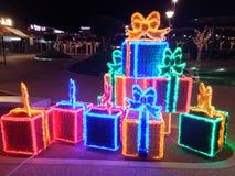 Cajas de regalo de Navidad de la decoración de la Navidad foto de archivo