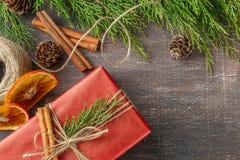 Cajas de regalo de la Navidad y decoraciones, visión superior Fotos de archivo